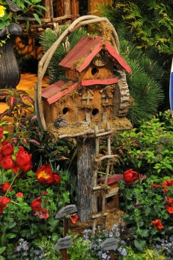 Birdhouse from a garden display